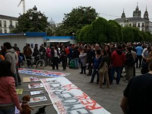 """Pancarta coa lenta """"Democracia real Xa"""""""
